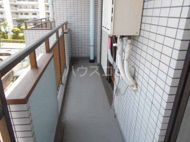 サンハイツホリウチ上倉田 302号室のバルコニー