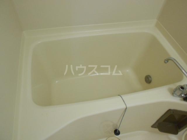 サンハイツホリウチ上倉田 302号室の風呂