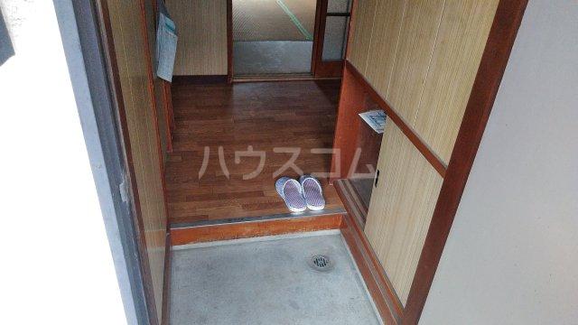 高梨荘 202号室の玄関