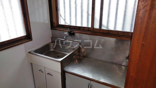 高梨荘 202号室のキッチン