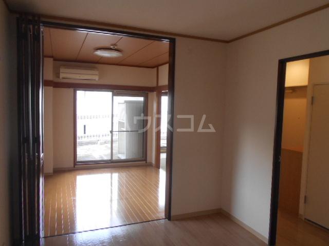 山口ホームビルA 4B号室のリビング