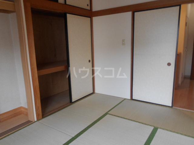山口ホームビルA 4B号室の居室