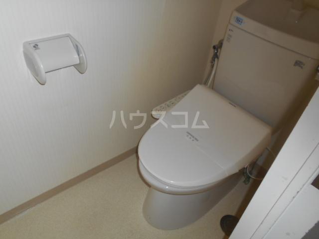 山口ホームビルA 4B号室のトイレ