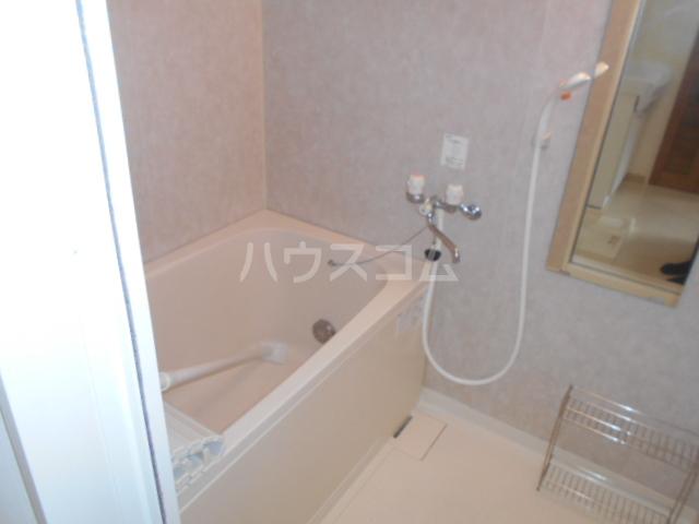 山口ホームビルA 4B号室の風呂