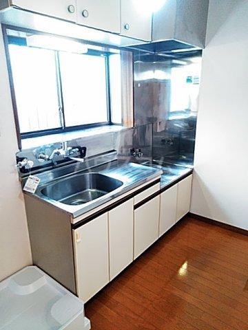メイプルハイム 201号室のキッチン