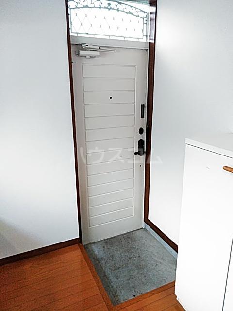 メイプルハイム 201号室の玄関