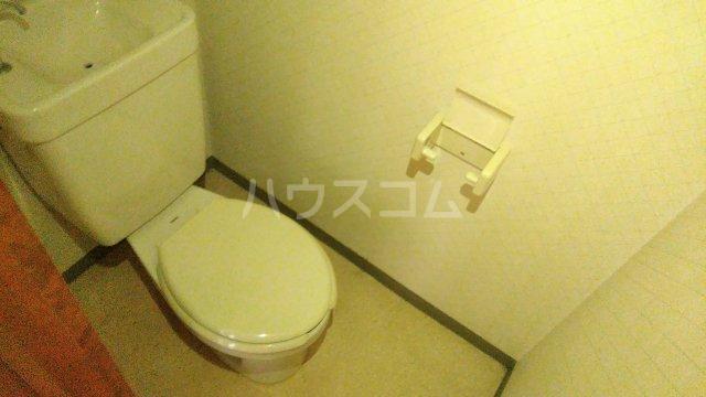 フローラル・ガーデンB 202号室のトイレ