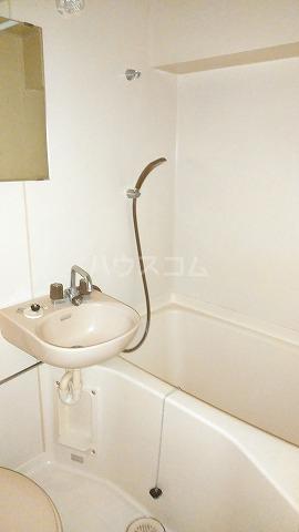 コスモスパジオ浦和常盤 401号室の風呂