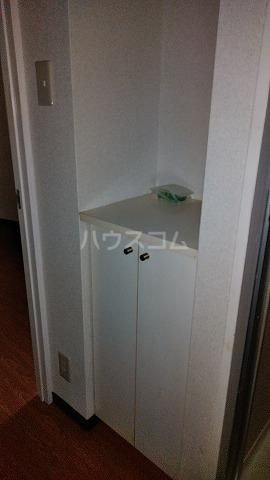 コスモスパジオ浦和常盤 401号室の玄関