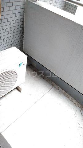 コスモスパジオ浦和常盤 401号室のバルコニー