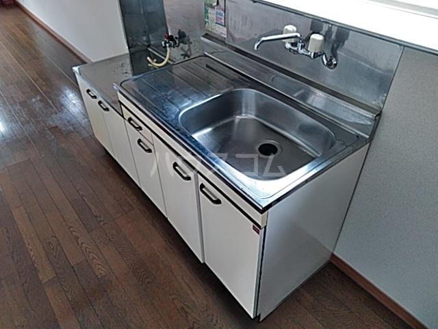 山登ハイツ 00201号室のキッチン