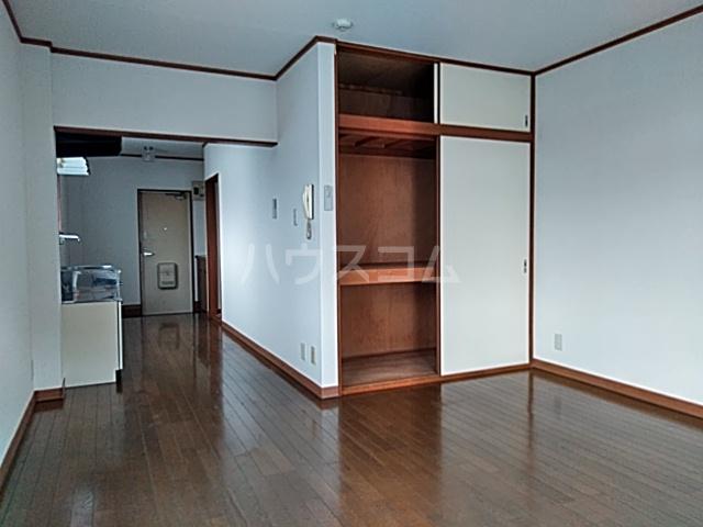 山登ハイツ 00201号室の収納
