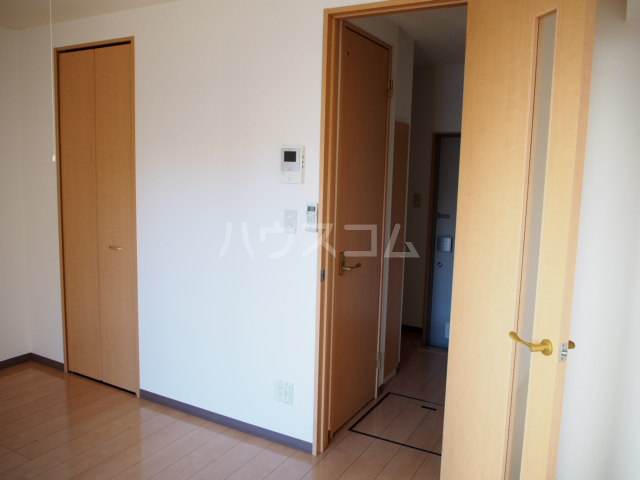 フォルビテッツァ本八幡 101号室のリビング