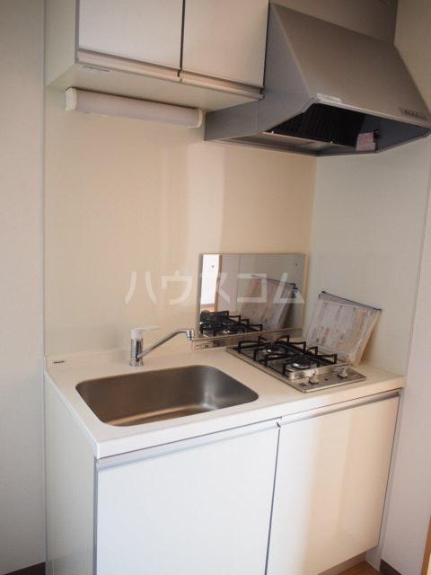 フォルビテッツァ本八幡 101号室のキッチン