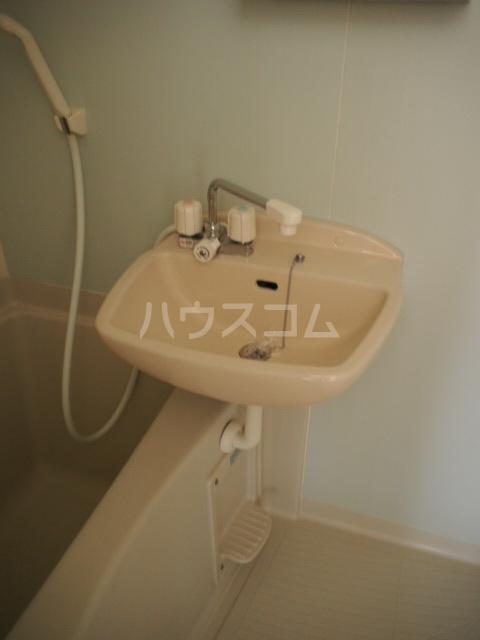 フォルビテッツァ本八幡 101号室の洗面所