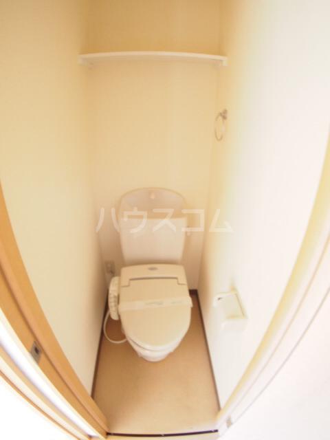フォルビテッツァ本八幡 101号室のトイレ