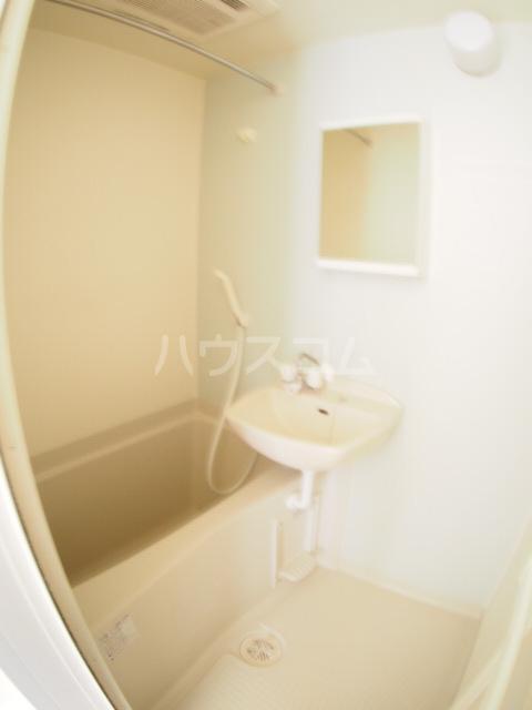 フォルビテッツァ本八幡 101号室の風呂