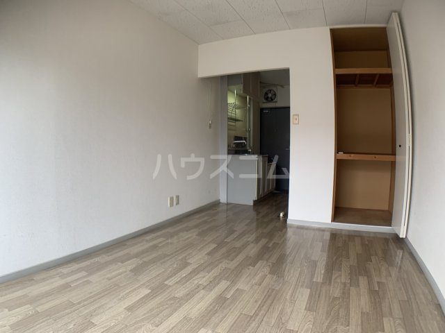グランドハイム 203号室の居室