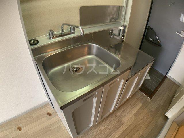 グランドハイム 203号室のキッチン