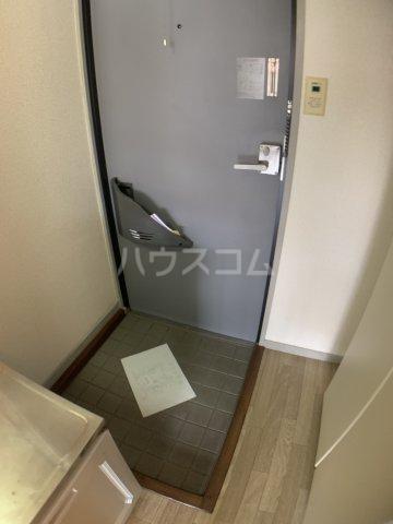 グランドハイム 203号室の玄関