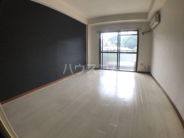 長沼田口ハイツ 302号室の居室