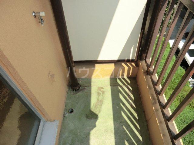第2オパールマンション 13号室のバルコニー