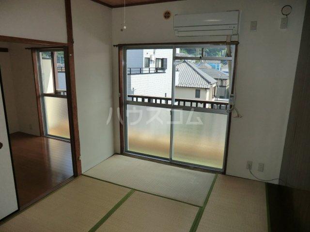 第2オパールマンション 13号室のベッドルーム