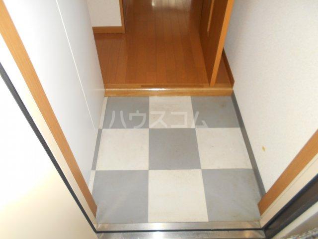 子安光洋ビル 207号室の玄関