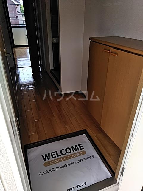 プレミール秋 210号室の玄関