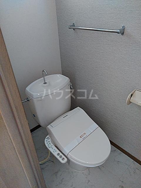 プレミール秋 210号室のトイレ