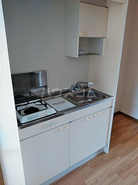 プレミール秋 210号室のキッチン