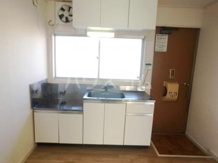 コーポ加茂川ー南 201号室のキッチン