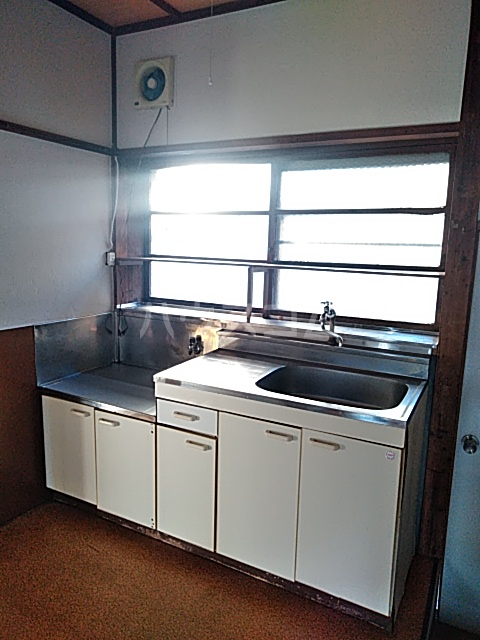 中瀬町2戸1 1号室のキッチン
