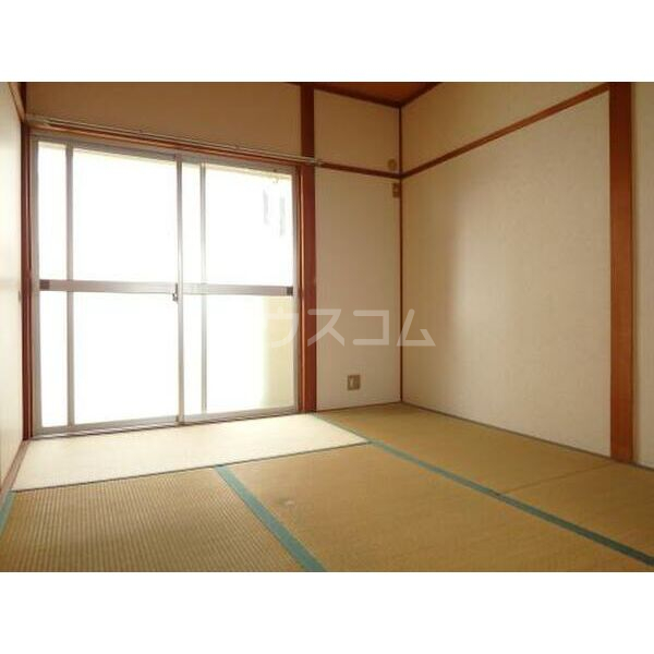 ハイツ山本 205号室のベッドルーム