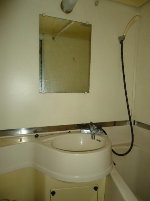 小林ビル 210号室の洗面所