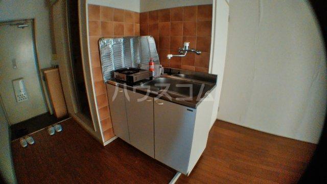 ヴィラ・シャルダン 1F号室のキッチン