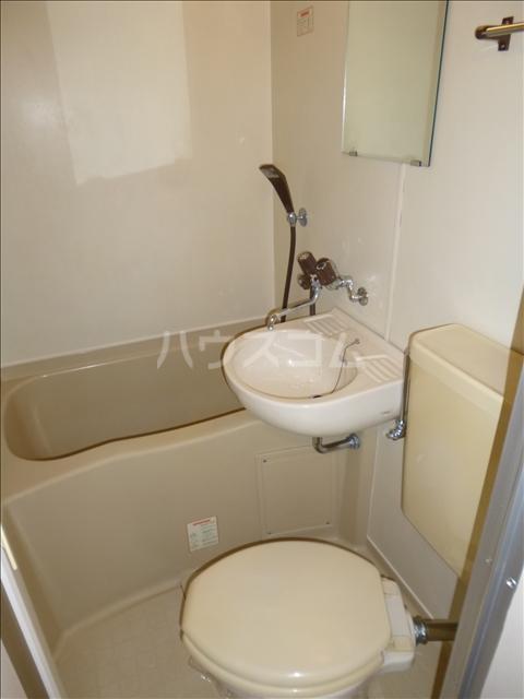 ヴィラ・シャルダン 1F号室の風呂