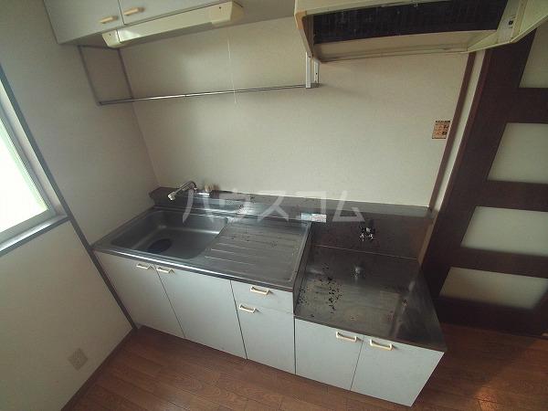 Surplus Two marroneA 205号室のキッチン