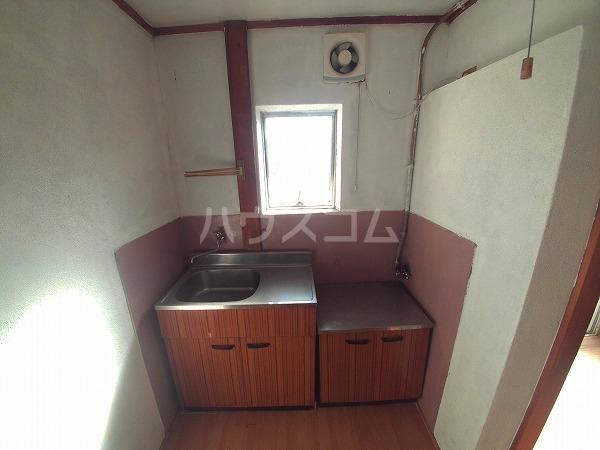第二 三幸荘 201号室のキッチン