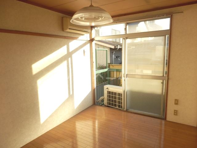 鳥居アパート 201号室の居室