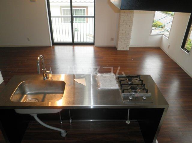 HATAYAアパートメント 201号室のキッチン