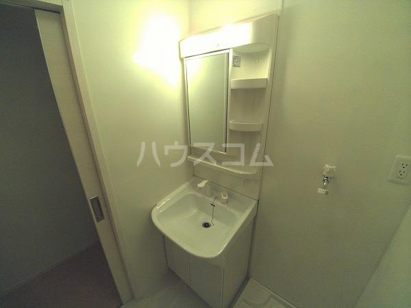 ションセイG 103号室の洗面所