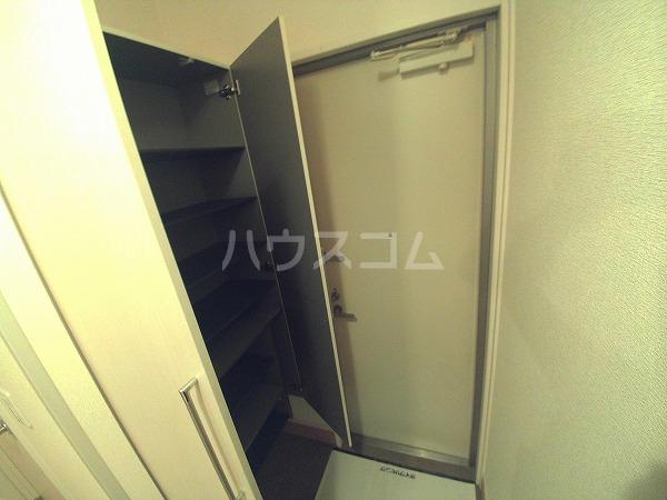 ションセイG 103号室の玄関