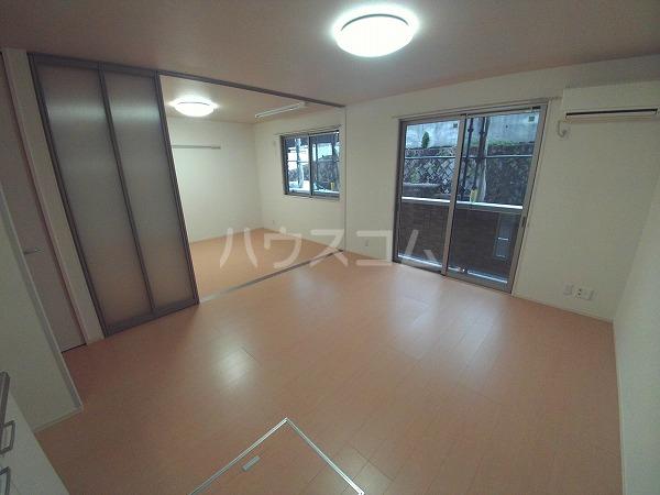 ションセイG 103号室の居室