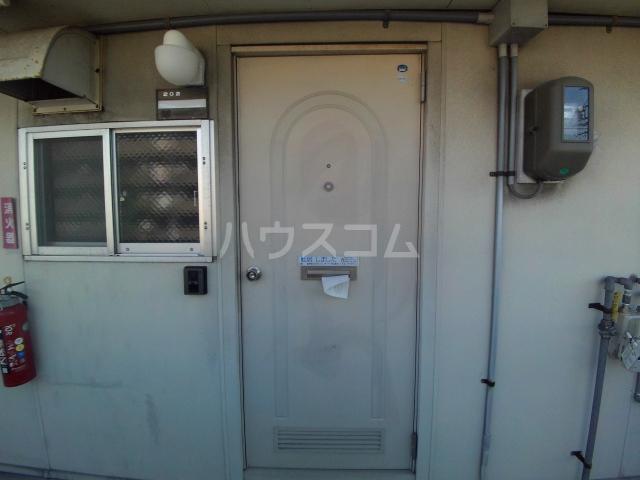 タウニィ石原 D棟 105号室の玄関