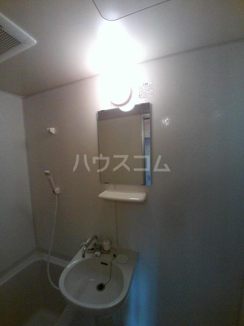 タウニィ石原 D棟 105号室の洗面所