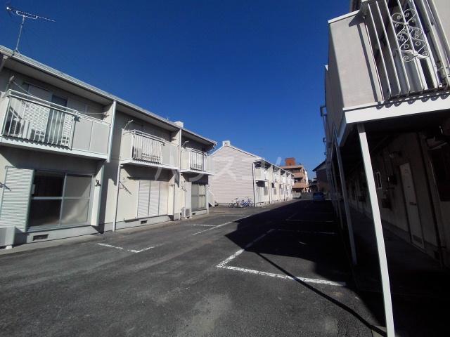 タウニィ石原 D棟 105号室の駐車場