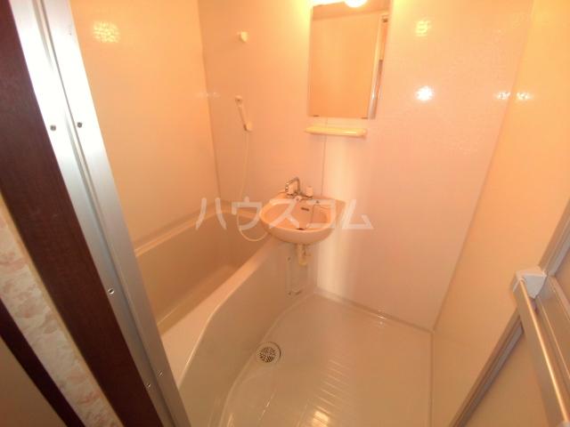 タウニィ石原 D棟 105号室の風呂