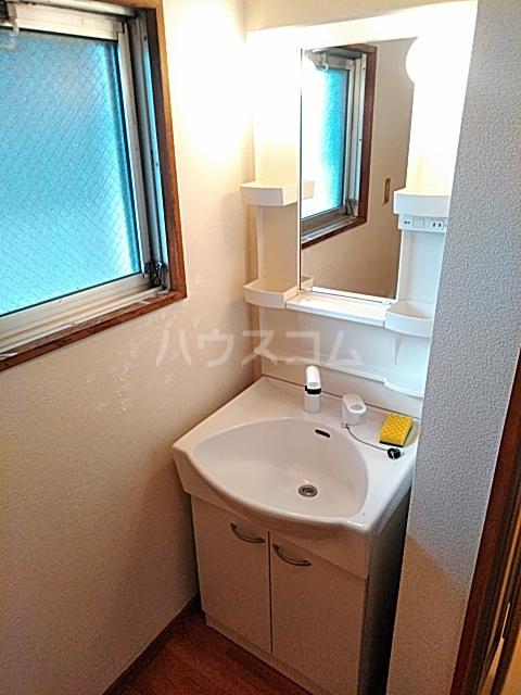 キャピターレ 305号室の洗面所
