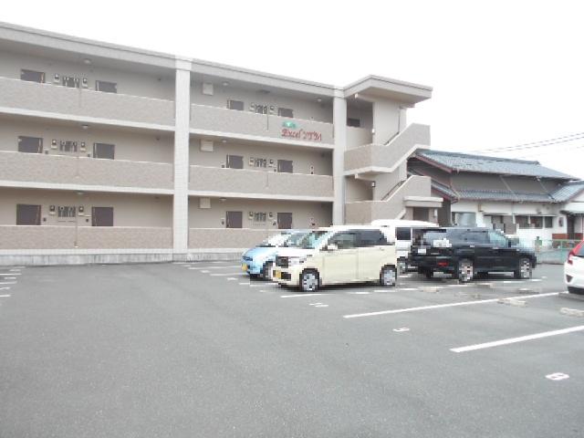 Excel YTM 301号室の駐車場